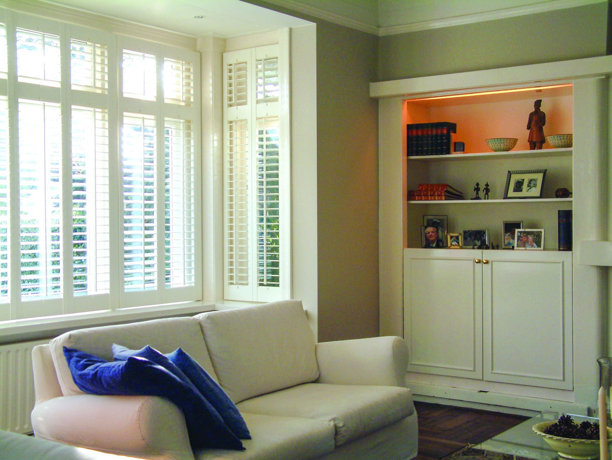 Kitchen shutters made to measure plantation window shutters for Window treatments with shutters